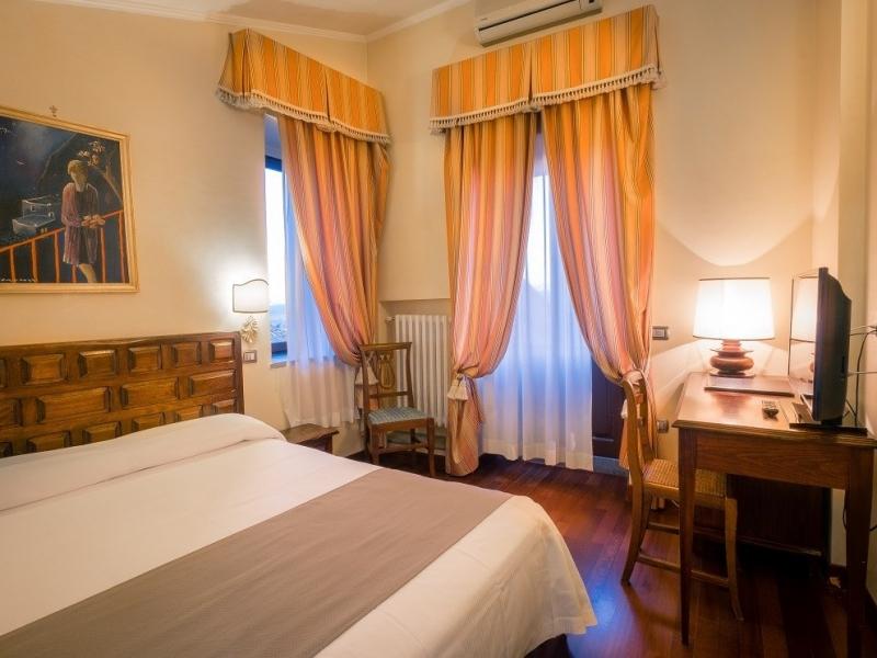 bosone-palace-hotel-junior-suite01